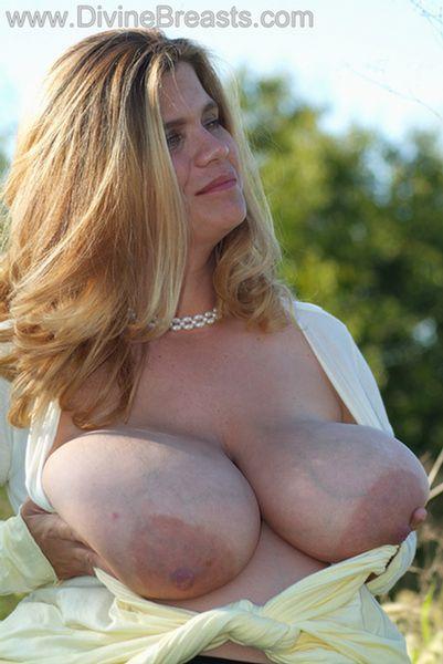hayley-big-tits-pregnant-14