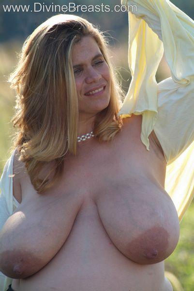 hayley-big-tits-pregnant-15