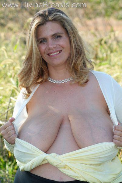 hayley-big-tits-pregnant-4