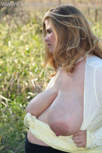 hayley-big-tits-pregnant-7