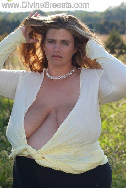 hayley-big-tits-pregnant-8