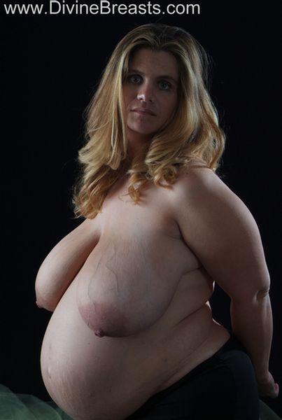 hayley-pregnant-big-tits-1
