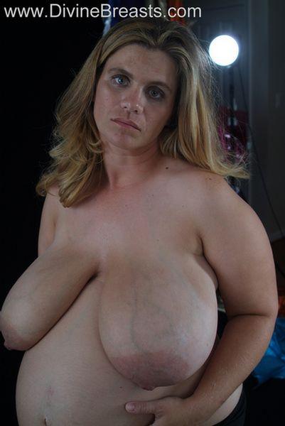 hayley-pregnant-big-tits-11