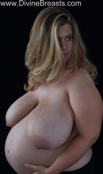hayley-pregnant-big-tits-7