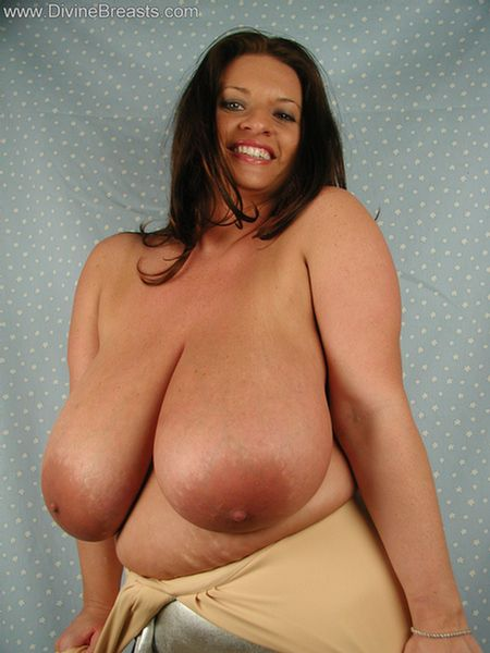 big-tits-stripper-out-of-top-12