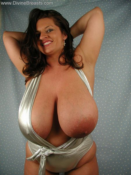 big-tits-stripper-out-of-top-7