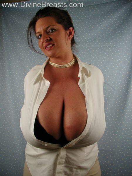 maria-moore-big-tits-milf-4