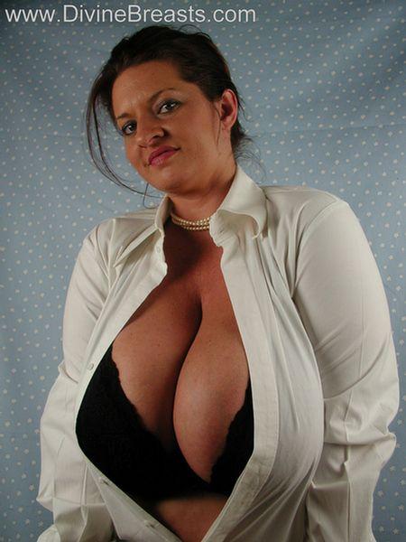 maria-moore-big-tits-milf-5