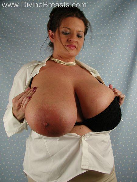 maria-moore-big-tits-milf-9