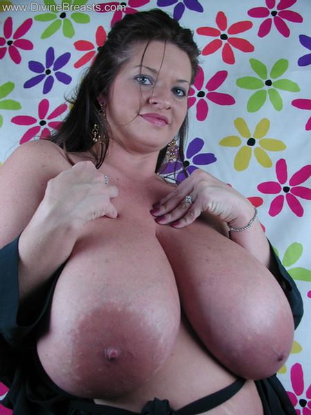 real-huge-boobs-no-bra-12