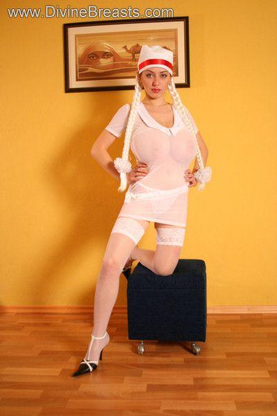 busty-anya-sakova-32g-12