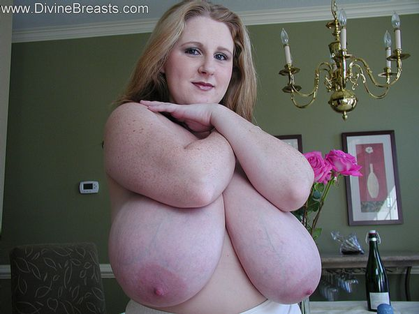 sapphire-bbw-big-boobs-undress-15