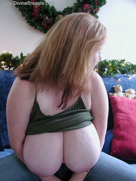 sapphire-bbw-busty-big-boobs-holiday-3